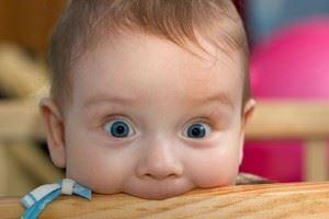 Ребенок все тянет в рот или облизывает